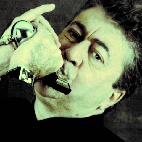 Mingo Balagguer est un harmoniciste espagnol de Blues , il est accompagné par Chris Feeling Blues Band pour sa tournée française, en concert sur la scène du Quai 472 à Villefranche