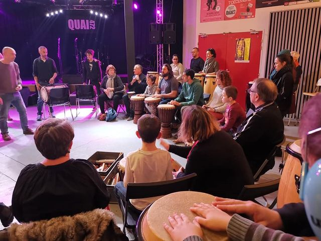 le Drum Circle est un concert participatif ouvert à tous les musiciens, debutants ou confimés sous la forme d'un stage de percussionsé
