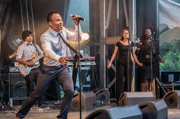 diera & the Shkaras en première partie du concert de Monstros